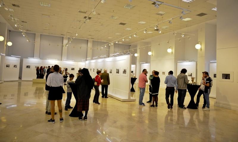 معرض للمصور التركي علي اختيار عن اللاجئين السوريين - 17 تشرين الأول (فيس بوك)