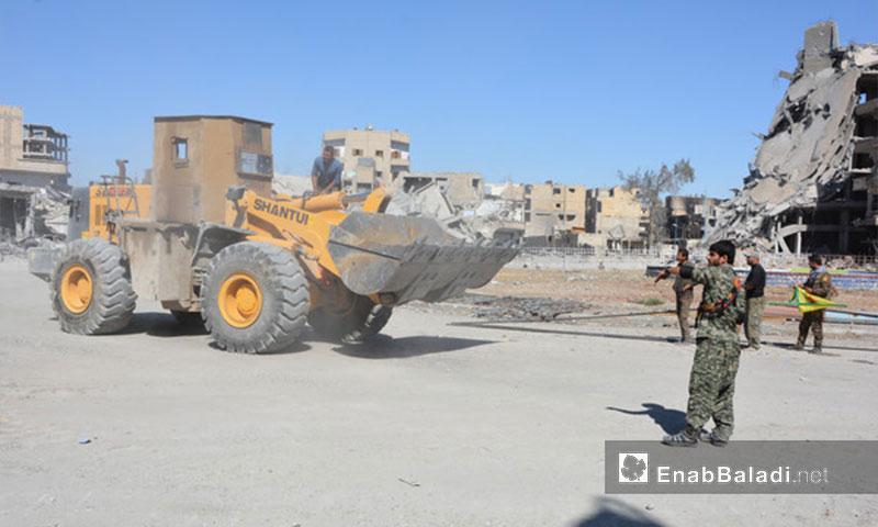 """دخول """"قوات سوريا الديمقراطية"""" إلى مدينة الرقة 19 -تشرين الأول 2017( عنب بلدي)"""