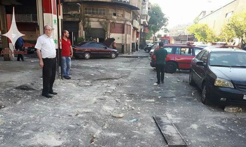 آثار التفجير في شارع خالد بن الوليد وسط دمشق - 11 تشرين الأول 2017 (دمشق الآن)