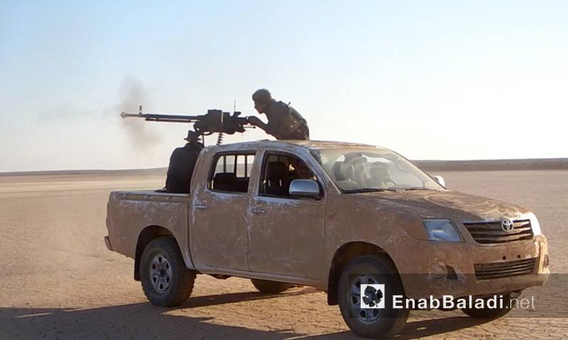 """""""أسود الشرقية"""" أثناء الاشتباك ضد تنظيم """"الدولة الإسلامية"""" في البادية السورية - الأربعاء 24 آب 2016 (أرشيف عنب بلدي)"""