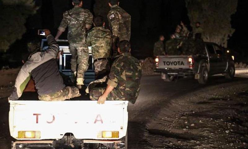 عناصر من الجيش الحر على الحدود السورية التركية - 8 تشرين الأول 2017 (AFP)