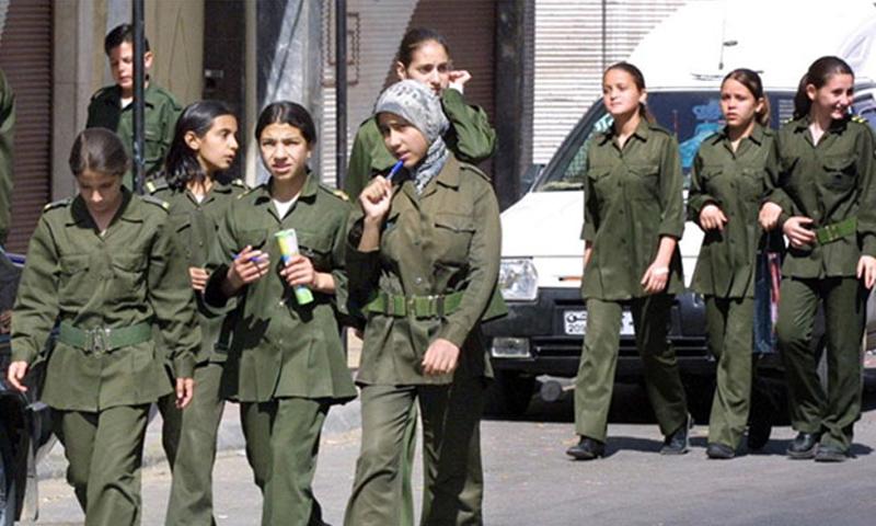"""لباس """"الفتوة"""" العسكري لطلاب المرحلتين الإعادية والثانوية (انترنت)"""