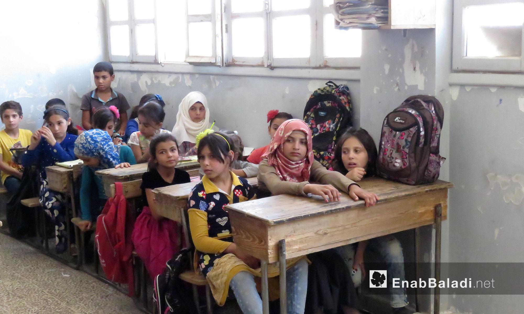 عودة الطلاب لمدارسهم بعد الهدوء النسبي بالمناطق المحررة في حماة - 3 تشرين الأول 2017 (عنب بلدي)