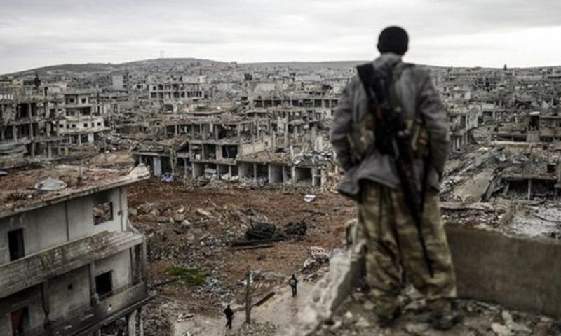 حجم الدمار في مدينة عين العرب (كوباني) عام 2015 (AFB)
