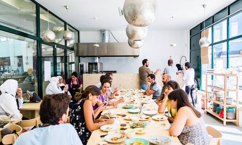 """مطعم """"مزة"""" في العاصمة البرتغالية لشبونة (فيس بوك)"""