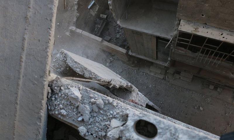 بناء مهدم في سقبا بالغوطة الشرقية - 29 تشرين الأول 2017 (الدفاع المدني في ريف دمشق)