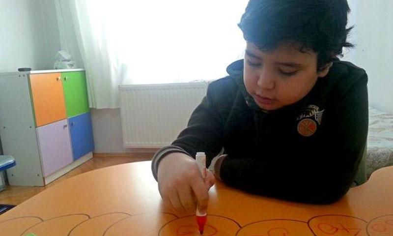 """الطفل سعد من مركز """"أنا بخير"""" اسطنبول - (فيسبوك - مركز أنا بخير)"""