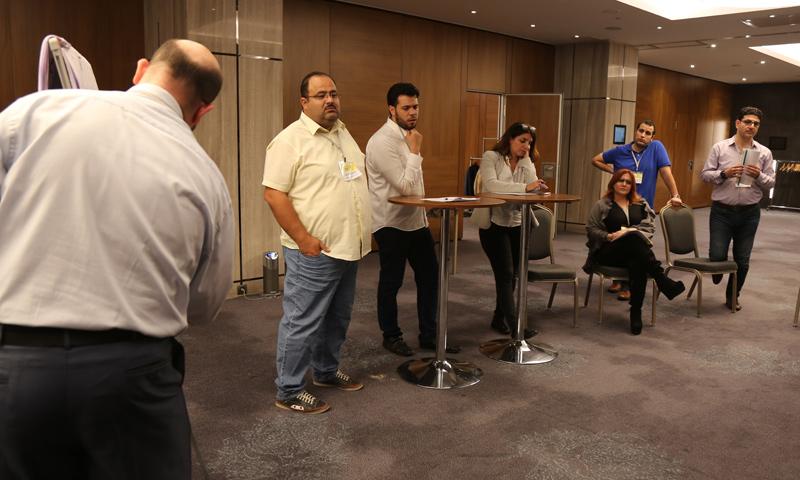 """من ورشات العمل في ملتقى """"الإعلام السوري في مواجهة الصحافة الصفراء"""" في مدينة اسطنبول - 29 تشرين الأول 2017 (عنب بلدي)"""
