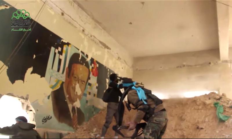 """مقاتلو حركة """"أحرار الشام"""" في إدارة المركبات - 15 تشرين الثاني 2017 (أحرار الشام)"""