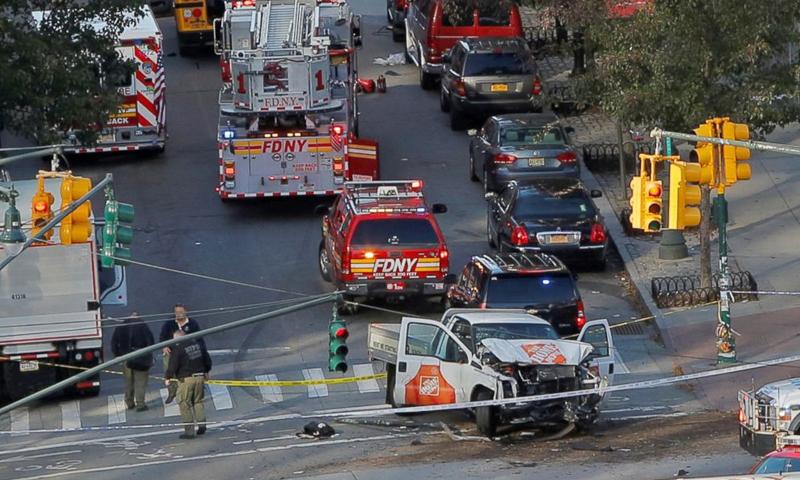 موقع حادثة الدهس في مدينة نيويورك - الأربعاء 1 تشرين الثاني (رويترز)