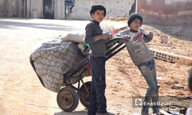 أطفال في بلدة حمورية بريف دمشق داخل الغوطة الشرقية - 25 تشرين الثاني 2017 (عنب بلدي)