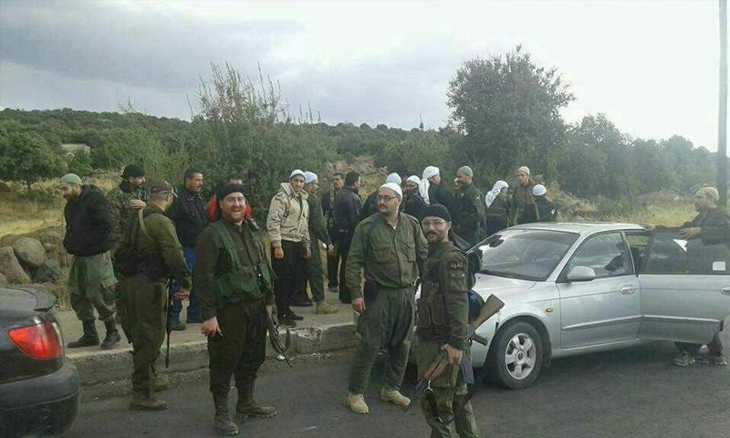 عناصر من مجموعات بلدة حضر خلال التصدي لهجوم فصائل المعارضة - 3 تشرين الثاني 2017 - (فيس بوك)