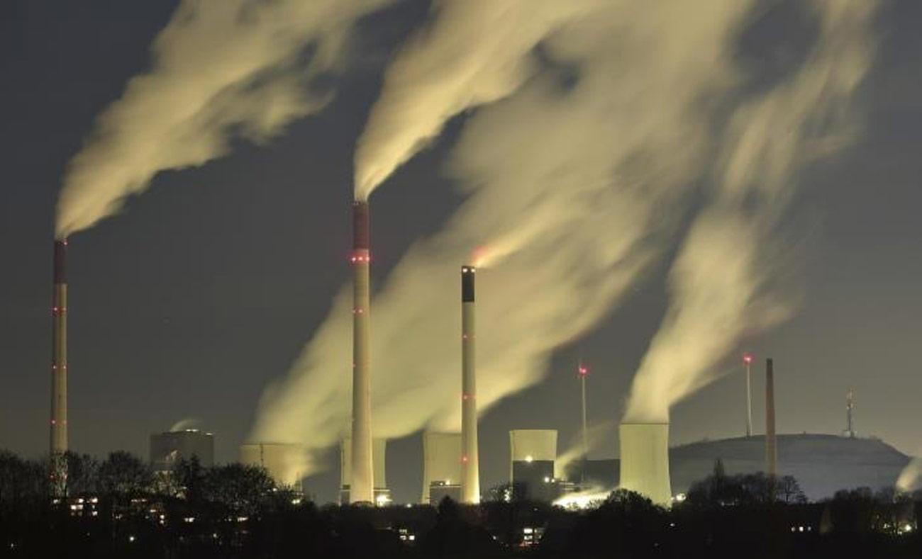 انبعاثات ثاني أكسيد الكربون المسببة للاحتباس الحراري (انترنت)