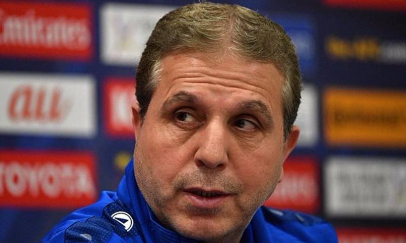 مدرب المنتخب السوري لكرة القدم (انترنت)