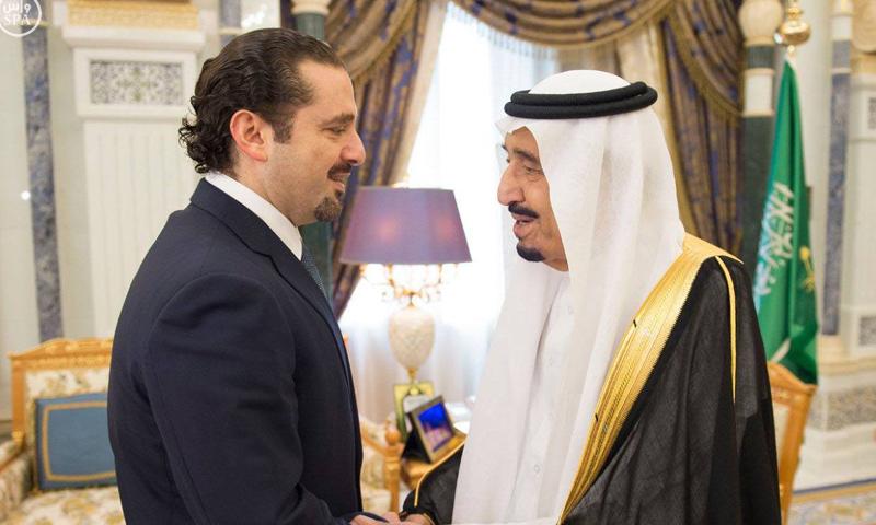 الملك سلمان مع وزير الحكومة اللبنانية المستقيل سعد الحريري في الرياض - 6 تشرين الثاني 2017 (واس)