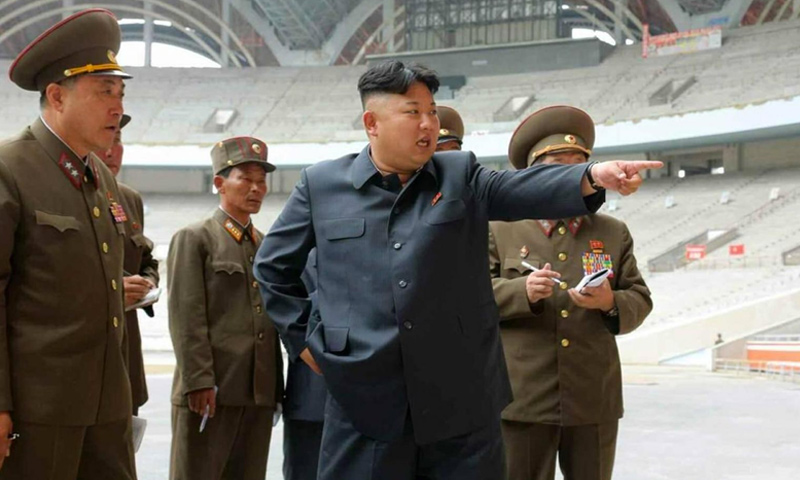 الرئيس الكوري الشمالي، كيم جونغ أون، في أحد المنشآت الكورية (Cursor)
