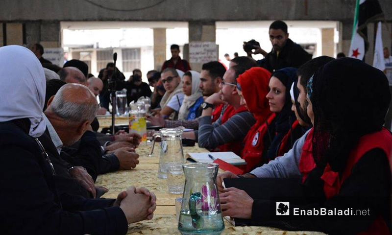 لجنة مشتركة من منظمات دولية أدخلت مساعدات إنسانية إلى مدينة دوما في الغوطة الشرقية - 12 تشرين الثاني 2017 (عنب بلدي)