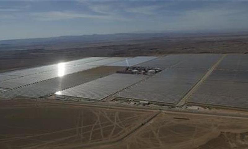 أكبر محطة طاقة شمسية في مخيم الزعتري (الأناضول)