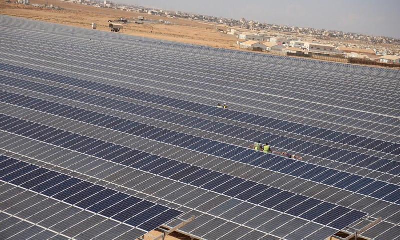 افتتاح أكبر محطة طاقة شمسية في مخيم الزعتري - 13 تشرين الثاني 2017 (UNHCR)