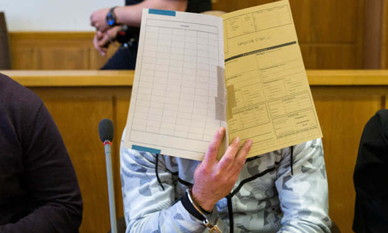 المتهم السوري في قاعة محكمة أولدينبرغ - 22 كانون الأول 2017 (TAG 24)