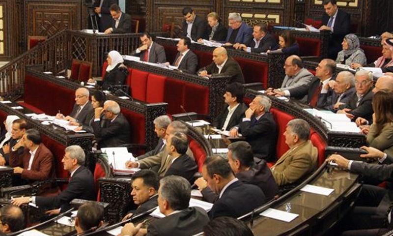 جلسة مجلس الشعب التابع للنظام السوري - (انترنت)جلسة مجلس الشعب التابع للنظام السوري - (انترنت)