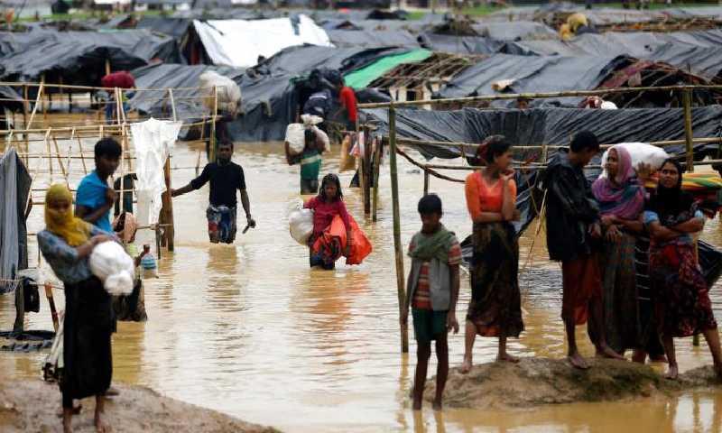 لاجئون من الروهينغا (إنترنيت)