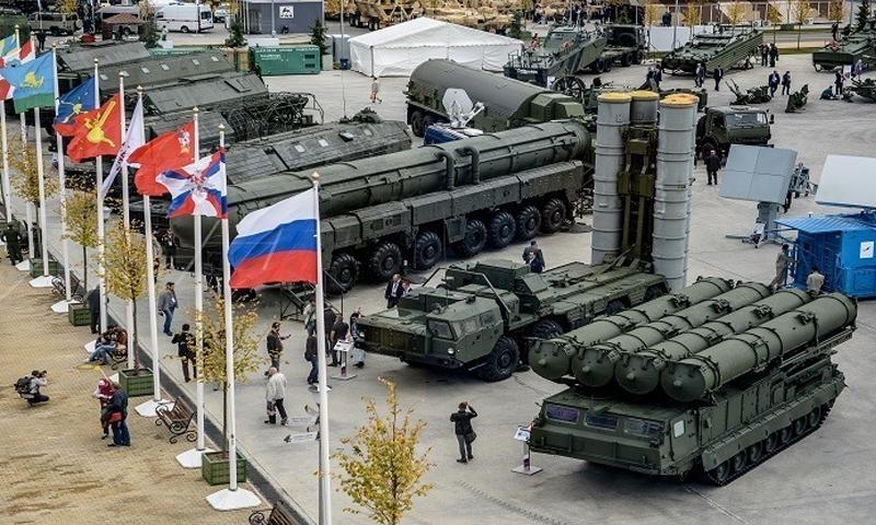 """نماذج من الأسلحة الروسية في معرض """"الجيش 2016"""" (سبوتنيك)"""