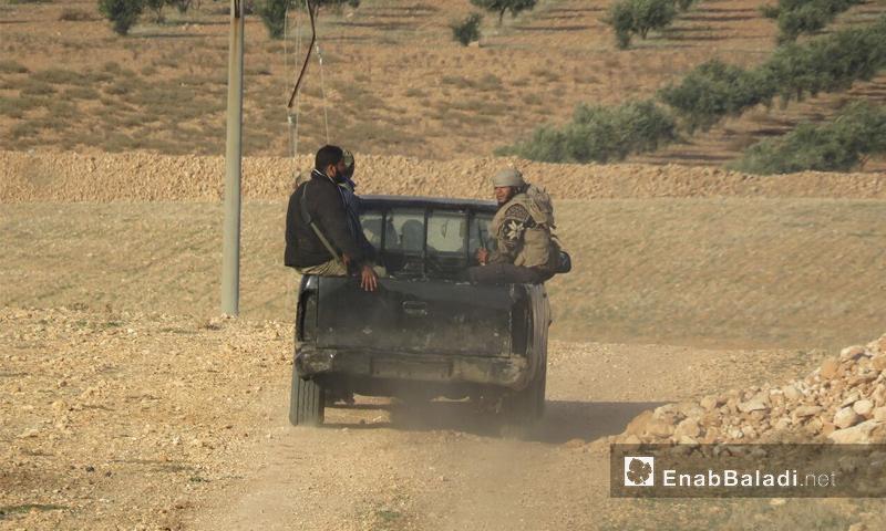 عناصر من فصيل جيش النصر على الجبهات العسكرية في ريف حماة الشرقي - 14 كانون الأول 2017 (عنب بلدي)