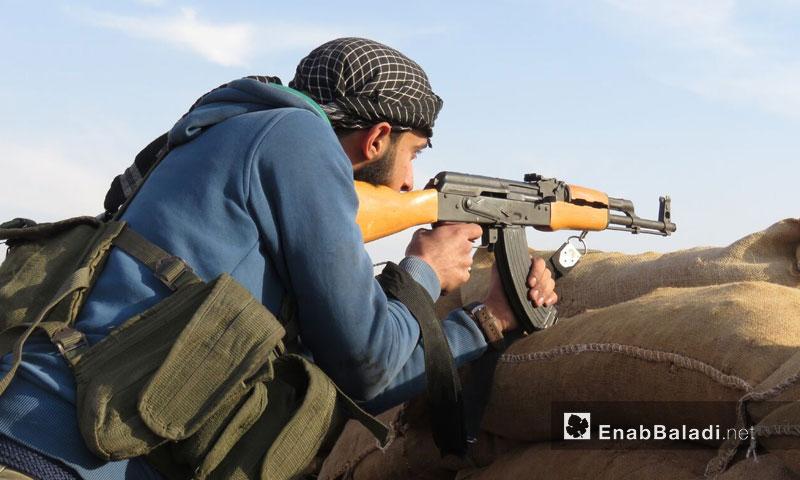 تمركز مقاتلي فصيل جيش النصر على الجبهات العسكرية في ريف حماة الشرقي - 14 كانون الأول 2017 (عنب بلدي)