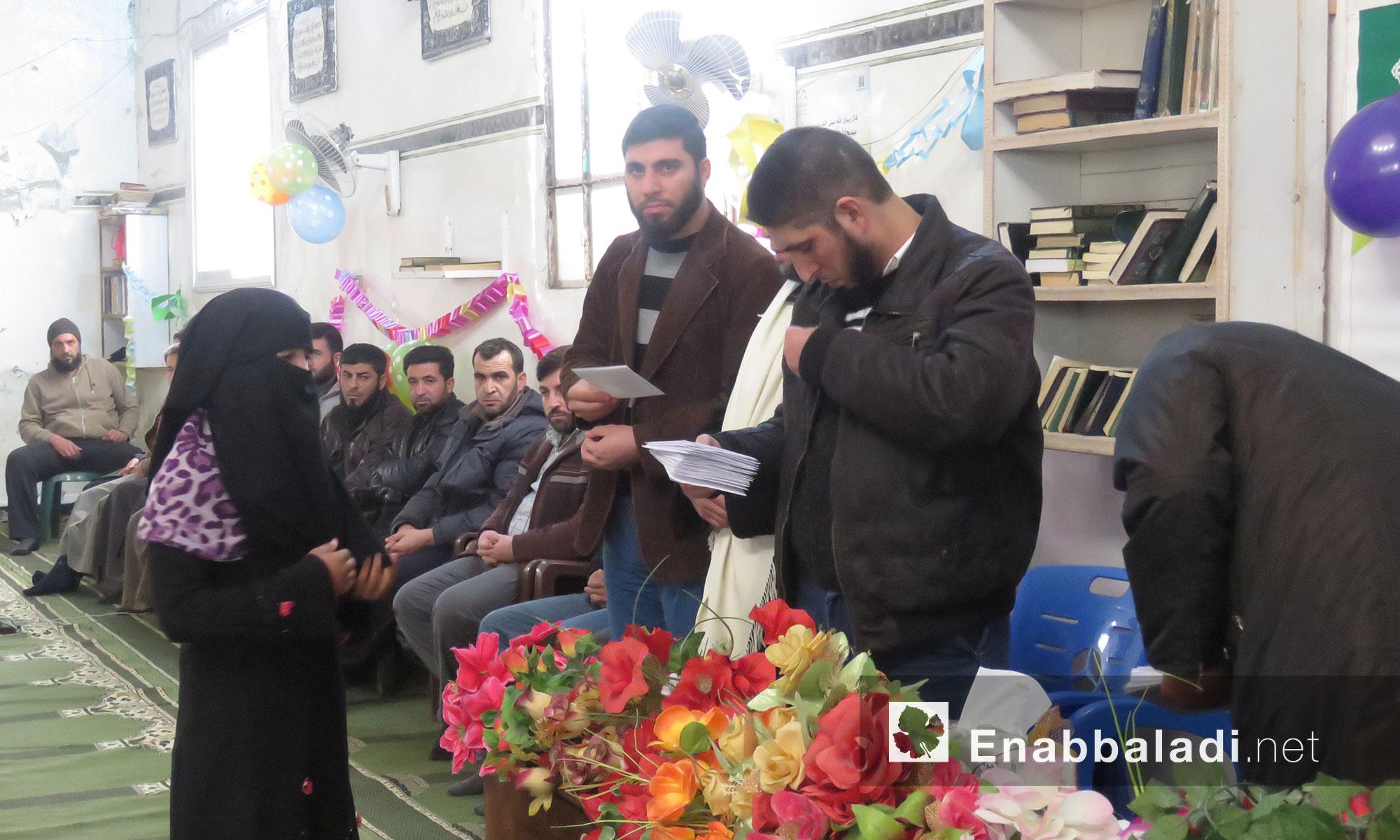 رابطة علماء السوريين  تكرم الطالبات المتوفقات في مشروعي الرشيدي والسفرة بريف ادلب الجنوبي - 30 تشرين الثاني 2017 (عنب بلدي)