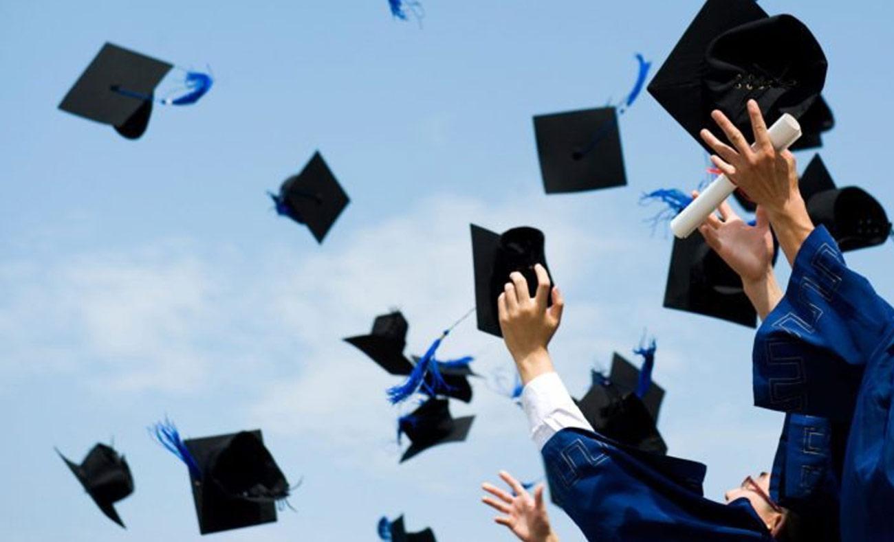 سياسة جديدة لإلغاء القروض الطلابية في أمريكيا ستساعد بتأمين التعليم الجامعي للطلاب الأقل ثراءً (انترنت)