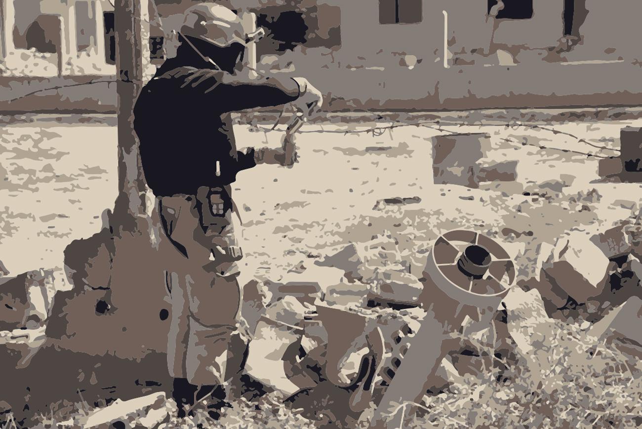 أحد محققي الأمم المتحدة يأخذ عينات من هجوم بغاز السارين في سوريا آب 2013