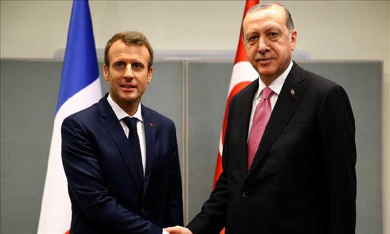 لقاء الرئيس التركي والفرنسي في الجمعة 5كانون الثاني(الأناضول)