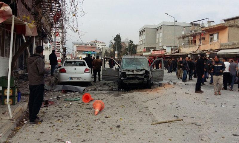 مكان سقوط قذيفة صاروخية في الريحانية على الحدود بين سوريا وتركيا - 21 كانون الثاني 2018 (تويتر)