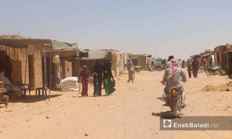 مخيم الركبان على الحدود السورية الأردنية - 16 تشرين الأول 2017 (عنب بلدي)