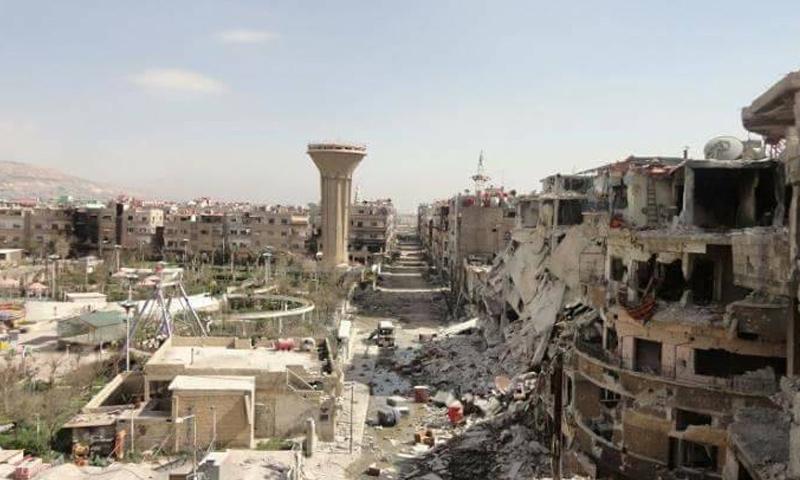 الدمار الذي حل بالأبنية السكنية في مدينة داريا جراء الحملة العسكرية من قبل قوات الأسد- حزيران 2016 (فيس بوك)