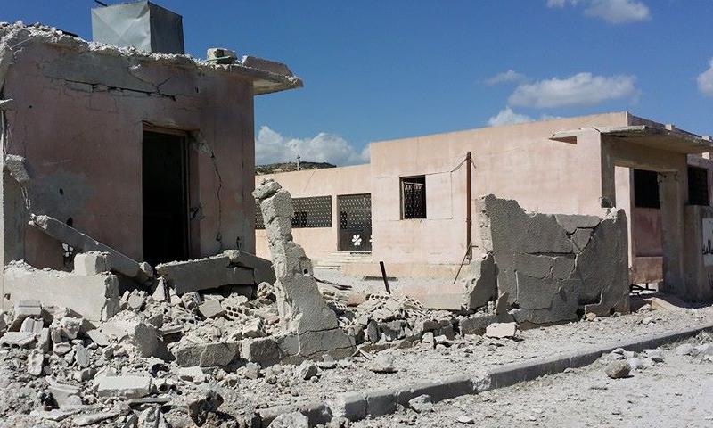 استهداف مدرسة بداما في ريف إدلب (انترنت)