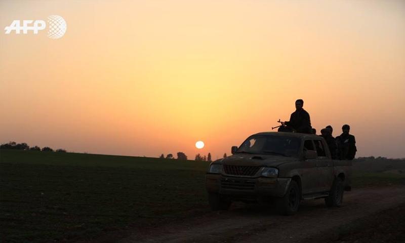 عناصر من الجيش الحر على جبهات ريف إدلب الشرقي - كانون الثاني 2018 (afp عمر حاج قدور)