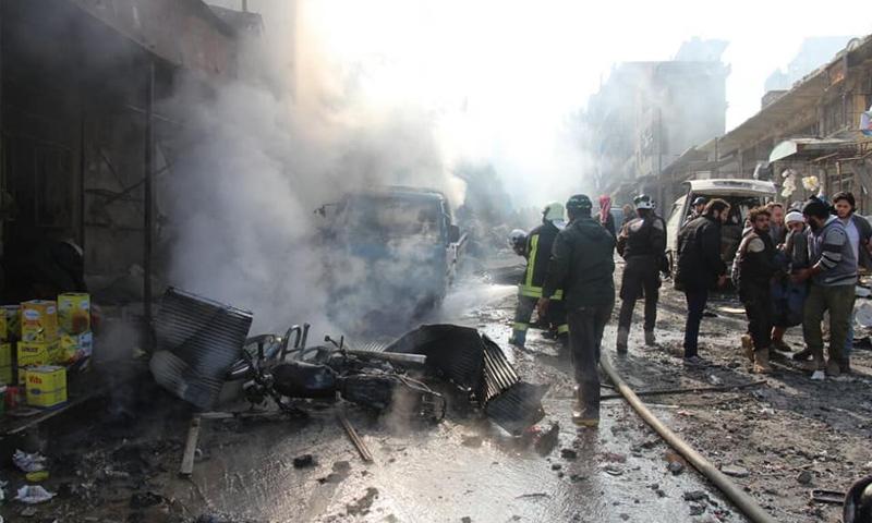 آثار القصف الجوي الروسي على مدينة أريحا في ريف إدلب - 30 كانون الثاني 2018 (الدفاع المدني)