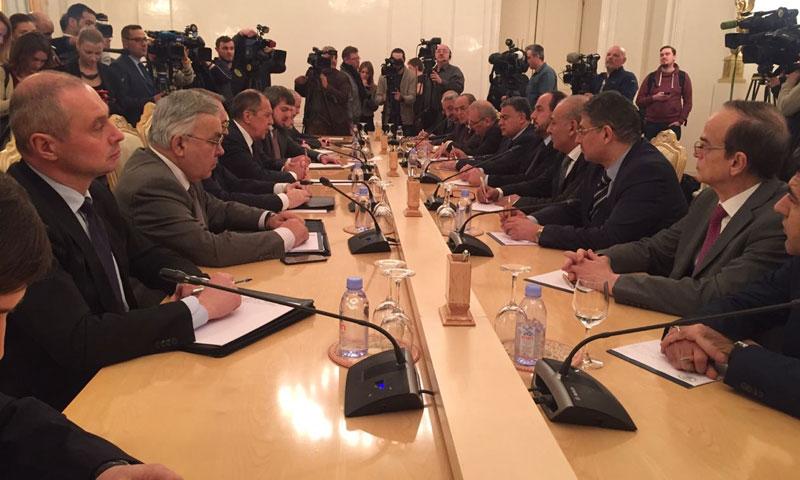 وفد المعارضة مع وزير الخارجية الروسي سيرغي لافورف، في زيارة لموسكو - 23 كانون الثاني 2018 (هيئة التفاوض العليا السورية)