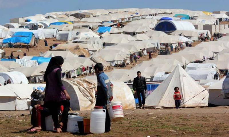 "لاجئون سوريون في مخيم ""الزعتري"" بالأردن (انترنت)"