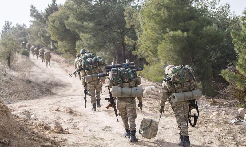 عناصر من الجيش التركي في جبل برصايا شمالي حلب - 22 كانون الثاني 2018 (TRT)