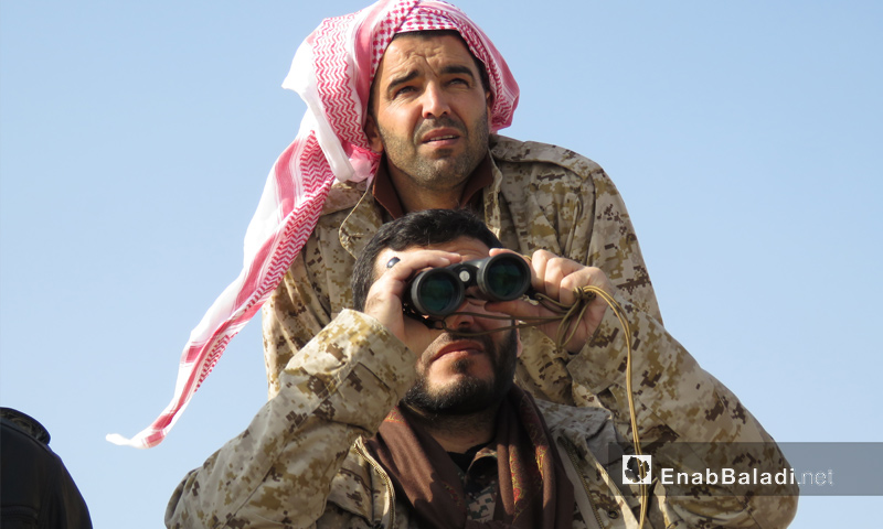 قائد جيش النصر الرائد محمد منصور على جبهة قرية الخوين شرقي إدلب - 13 كانون الثاني 2018 (عنب بلدي)