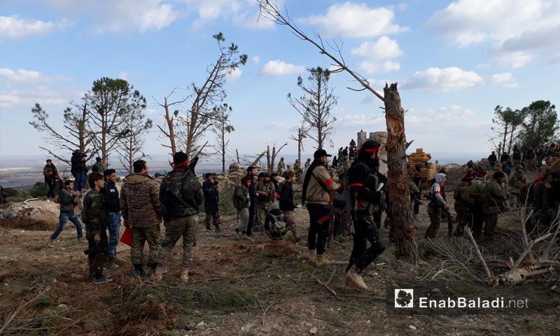 عناصر الجيش الحر على قمة جبل برصايا في ريف حلب الشمالي - 28 كانون الثاني 2018 (عنب بلدي)
