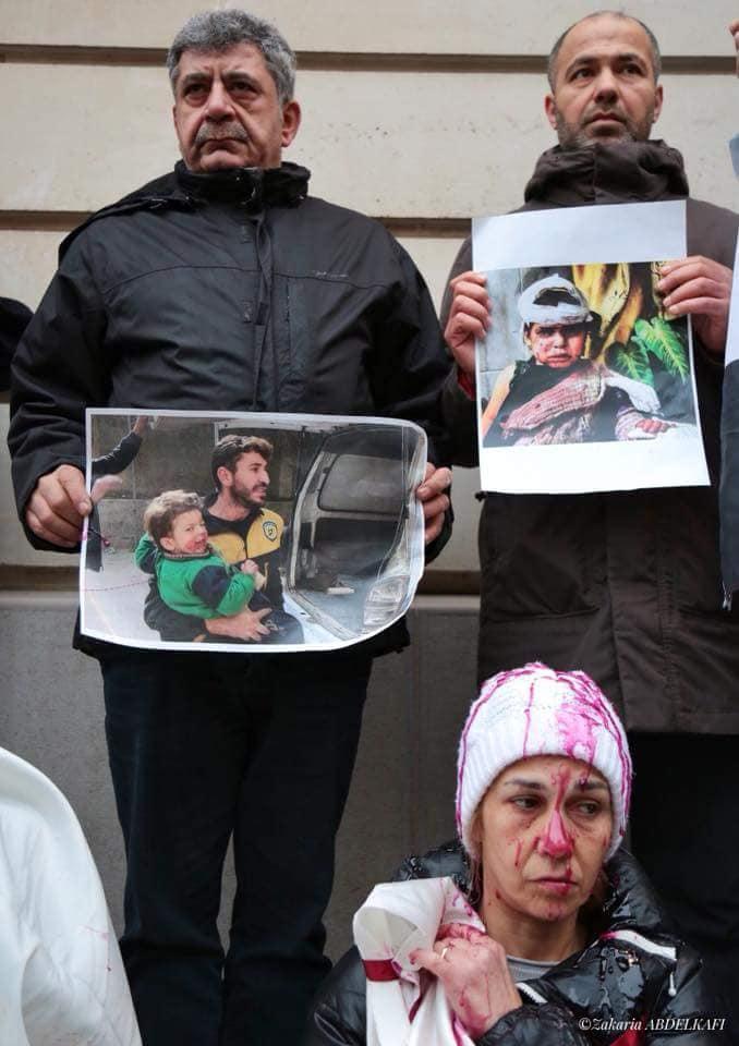 ناشطون سوريون يعتصمون قرب قصر الإيليزيه تضامنًا مع الغوطة - 20 شباط 2018 (تصوير زكريا عبد الكافي)