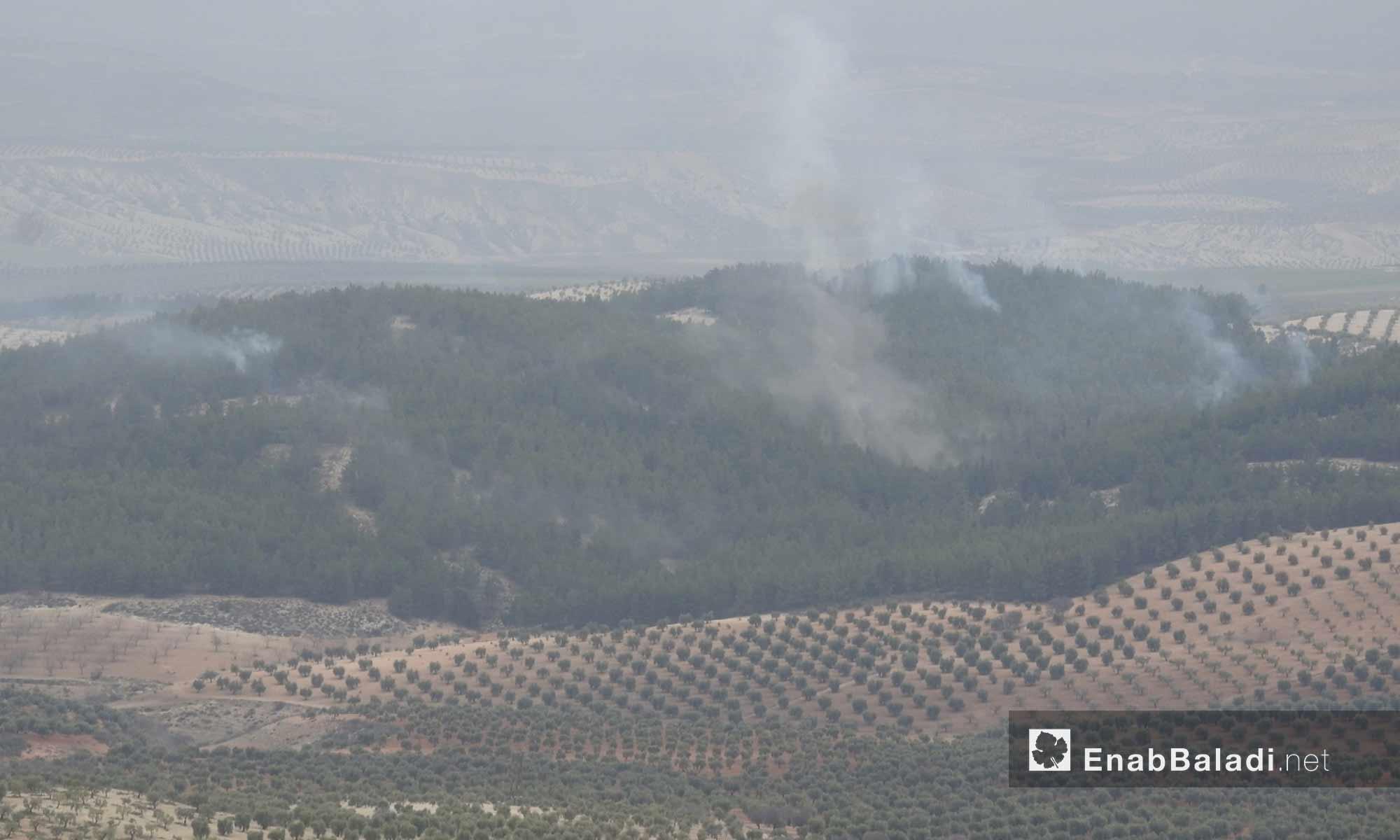 الجيش التركي يستهدف مواقع وحدات حماية الشعب الكردية على محور شران بريف مدينة عفرين - 11 شباط 2018 (عنب بلدي)