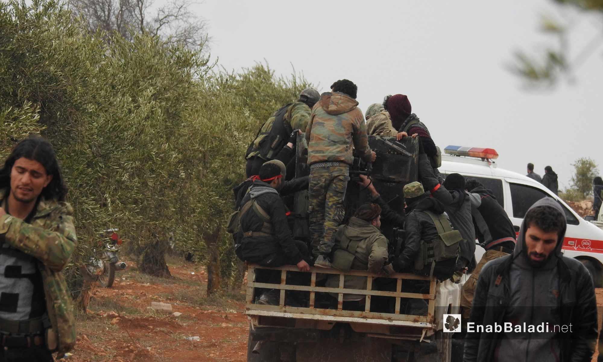 عناصر من الجيش الحر على محور شران بريف مدينة عفرين - 11 شباط 2018 (عنب بلدي)