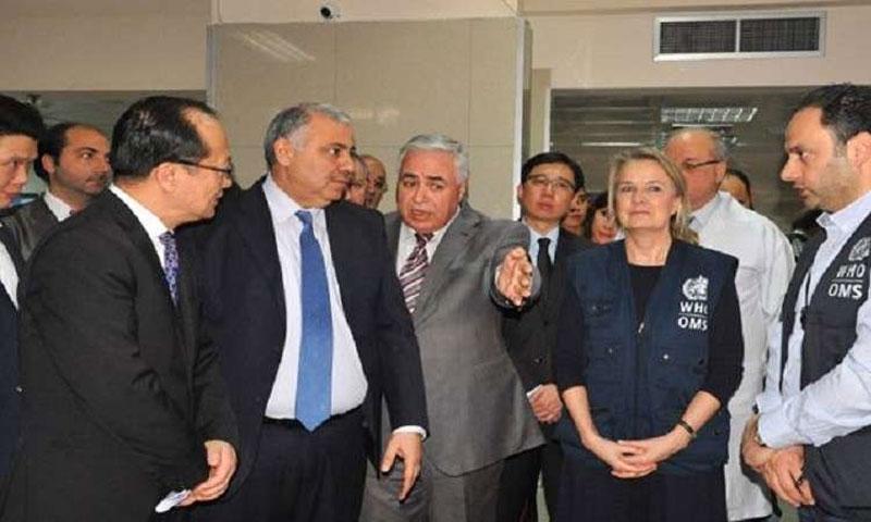 السفير الصيني خلال زيارته مشفى المواساة في دمشق 11شباط(سانا)