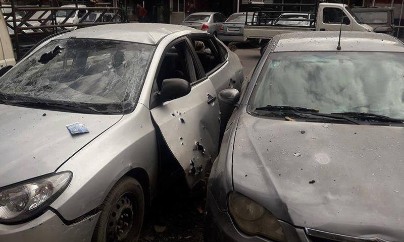 اضرار في السيارات نتيجة سقوط قذائف في شارع الملك فيصل- 8 شباط 2018 (دمشق الان