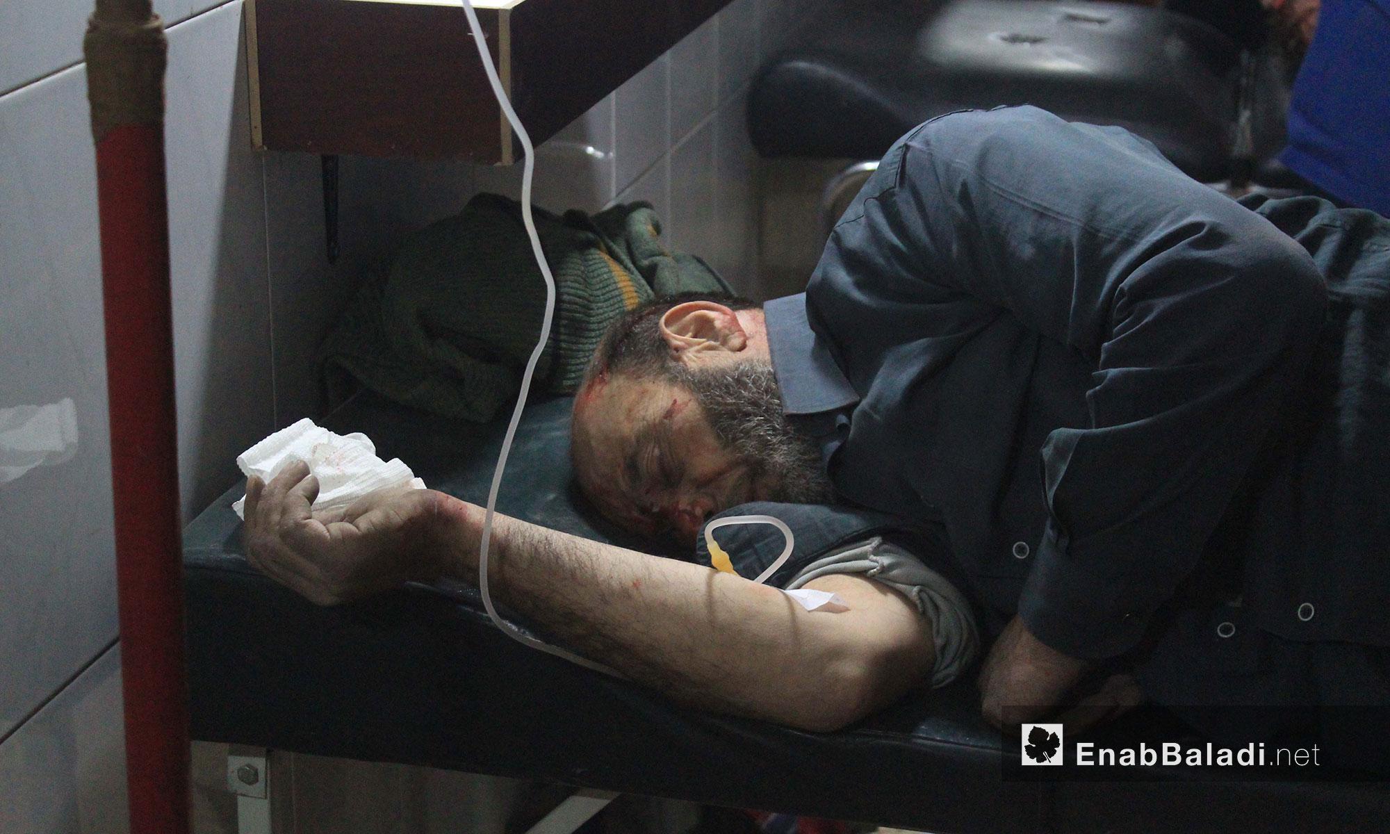جريح في أحد مشافي الغوطة الشرقية - 21 شباط 2018 (عنب بلدي)